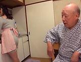 Nonami Shizuka excels in her cock sucking skills