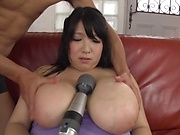Sassy milf Shizuku Amayoshi enjoying her taco toyed