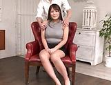 Japanese woman likes pussy stimulation
