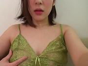 Otomi Rina is into masturbation lately