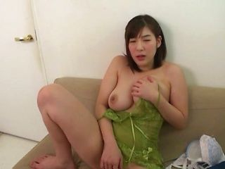 Otomi Rina is into masturbation lately