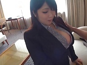 Hot milf gets devoured by a zealous pussy licking