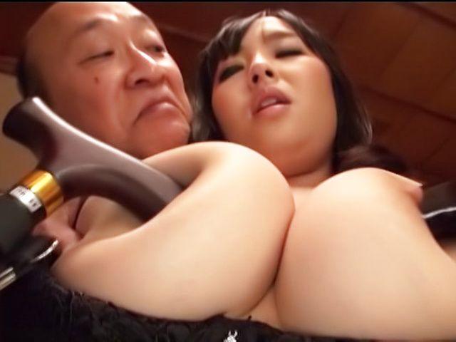 Nonami Shizuka pleasures multiple schlongs