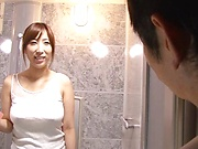 Ayana Rina takes a worty cum in mouth