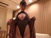 Voluptuous Japanese lady is moaning
