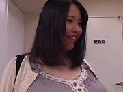 Busty milf, Yuuki Iori got very excited