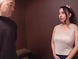 Oda Mako enjoys flaunting her huge boobs