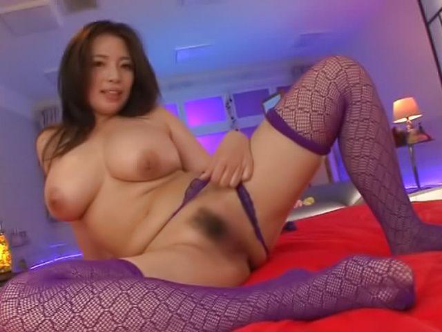 Cute big tits beauty Oda Mako enjoys being fisted