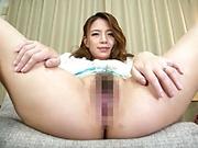 Casting for porn leads Oda Mako to riding the big dick