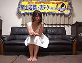 Wakaba Onoue gives some good head to her dude