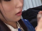 Haakii Haruka ,pleasures a throbbing dick