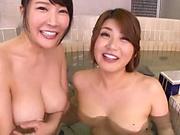 Threesome in the bath feels so good