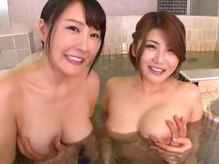 Threesome in the bath feels so good
