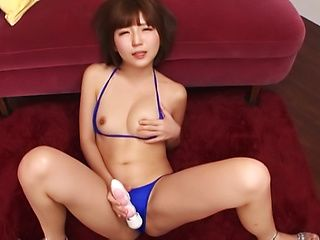 Sakura Kizuna ,pleasured by sex toys