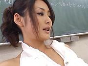 Murakami Risa , gasps and winces