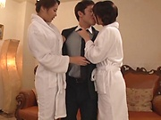 Tsuno Miho ,performs a sensual blowjob