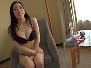 Ninomiya Waka peasured by her sex toys
