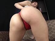 Luscious amateur in steamy masturbation action