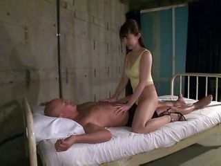 Fantastic Japanese blowjob experience with a hot milf