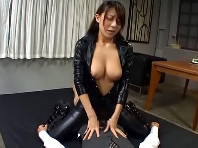 Kinky Asian hottie Ria Kashii in hot hardcore action