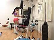Bubble-asses Japanese girl tempted by her instructor in the gym