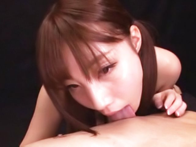 Hasegawa Rui enjoys a thrilling body licking