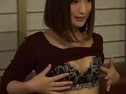 Japanese amateur model flaunts her nice ass