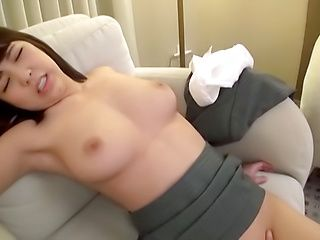 Hot Asian honey shows her expertise in blowing cocks