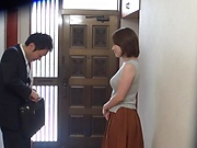 Married Japanese woman Mizukawa Kaede cuckolds her hubby