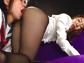 Hot lesbians enjoy a throbbing toying action