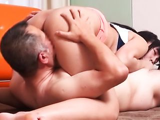 Horny stud loves it when she moans as he pounds her cunt