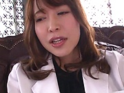 Office lady is moaning while cumming