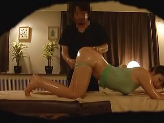 Luscious Asian babe gets screwed superbly