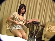 Sweet Japanese amateur vixen gets kinky