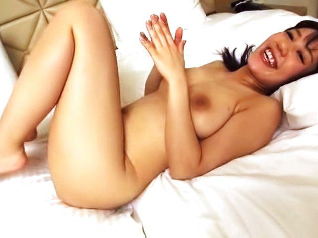 Bubbly Sweet Japanese amateur model pleasured