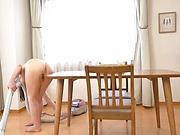 Sasakura An enjoys doing her chores in an erotic way