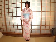 Shiina Sora is a sexy Japanese milf