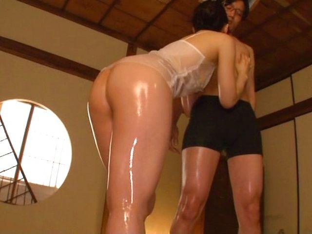 Japanese Men Fuck - Japanese woman is fucking random men - Japanese MILF Porn