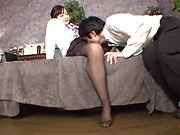 Sensual Shinoda Yuu knows how to please her boss