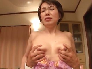 Lusty amateur woman needs a good fuck