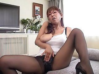 Sexy Fujishita Rika enjoys sucking a massive dick