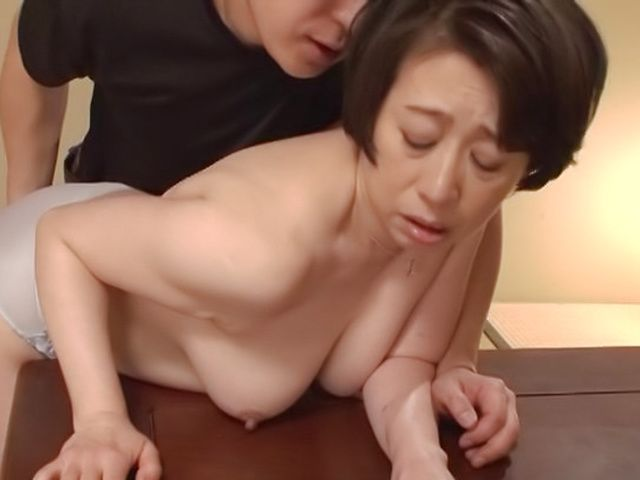 Hottie Shiraishi Sumire has her fanny stretched