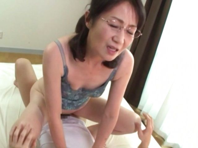 Japanese mature had hardcore sex with ex