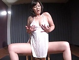 Hot Japanese woman enjoys toying and fisting