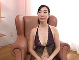 Superb Japan milf in smashing pussy fingering solo