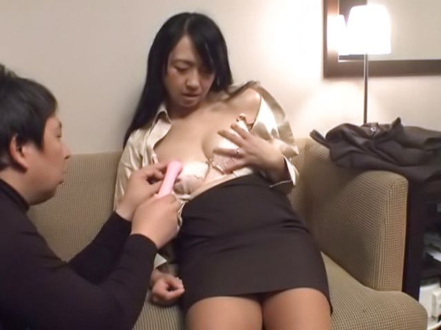 Spicy hottie enoying thrilling sex with hunk stud
