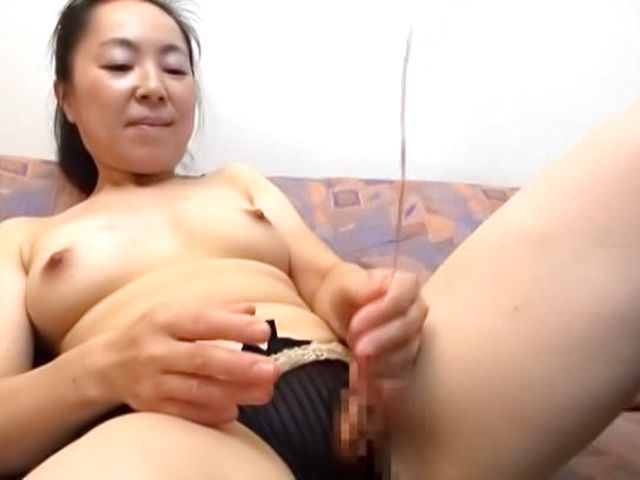 Awesome couch sex for seductive mature