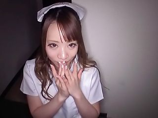 Sensual nurse Mashiro Airi gives a blowjob to a horny patient