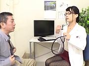 Wild nurse Abe Mikako shows her kinky side