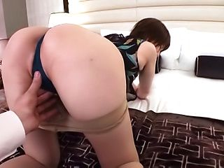 Katou Miyuki excels in her dick riding skills